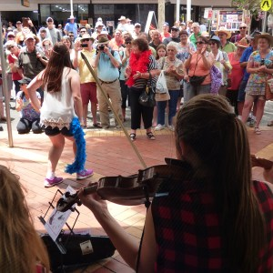 String Loaded busking Peel Street at the 2016 Tamworth Country Music Festival