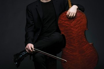 Strings Magazine October 2015 Oliver Herbert