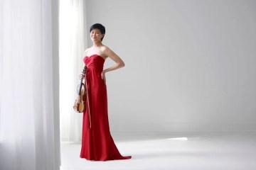 Violinist Jennifer Koh photo by Juergen Frank