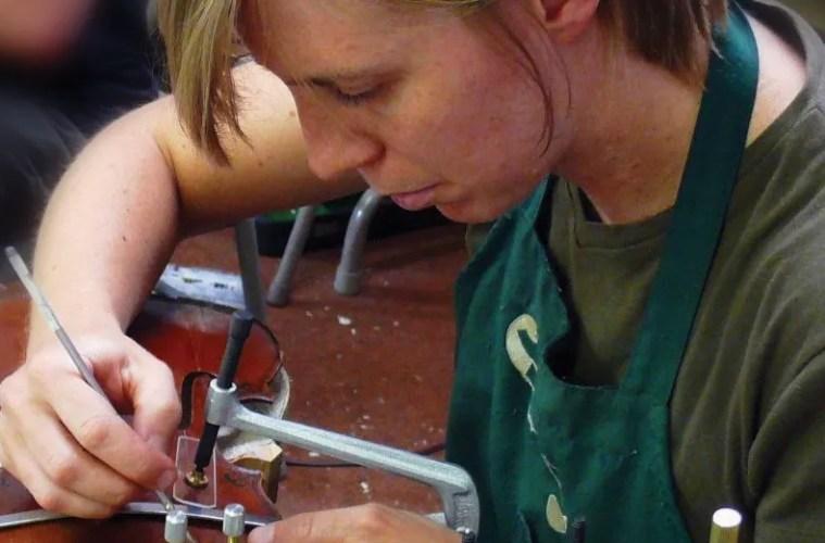 Luthier Jenelle Steele