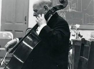 Pablo-Casals-tuning-the-Casals-Goffriller