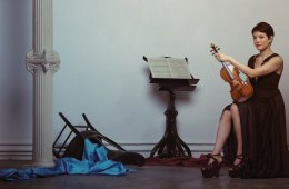 Violinist Anne Akiko Meyers Photo by Ainsley Joseph