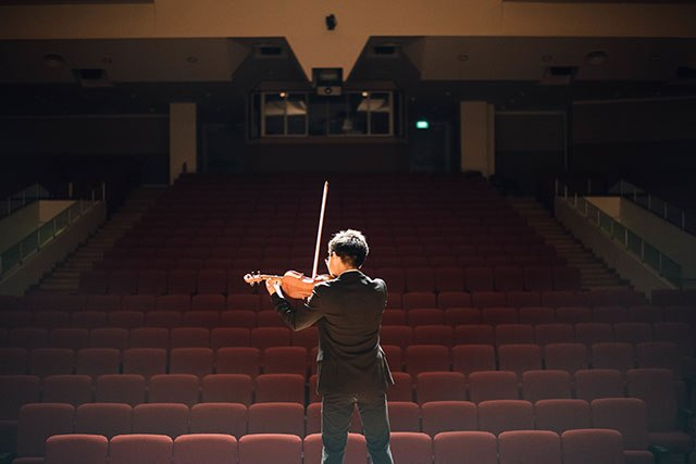 Violinist onstage