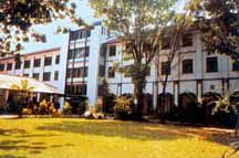Aquins College