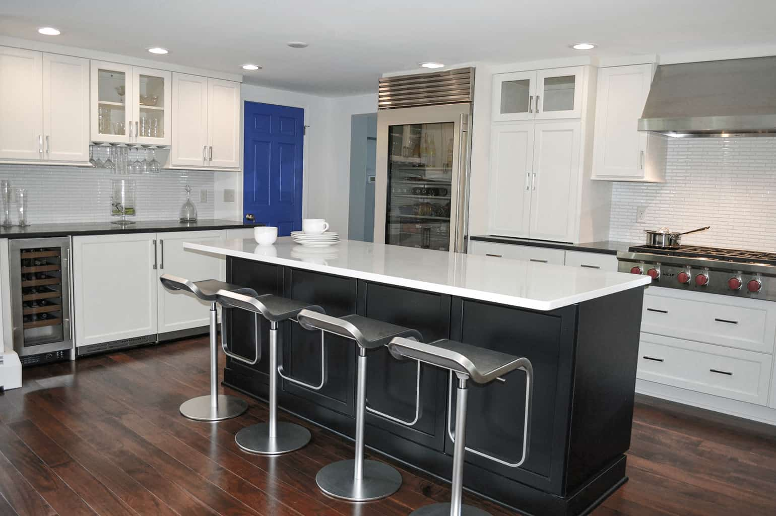 Irresistible Transitional Cabinetry No No Neutralcolors Vs Transitional Kitchen Design Professional Kitchen Designers Near Me Certified Kitchen Designers Near Me houzz 01 Kitchen Designers Near Me
