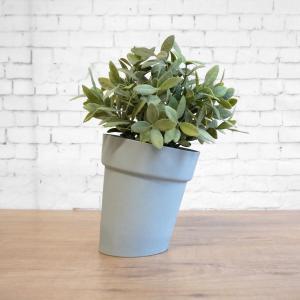 C04 cool grey Distorted flowerpot