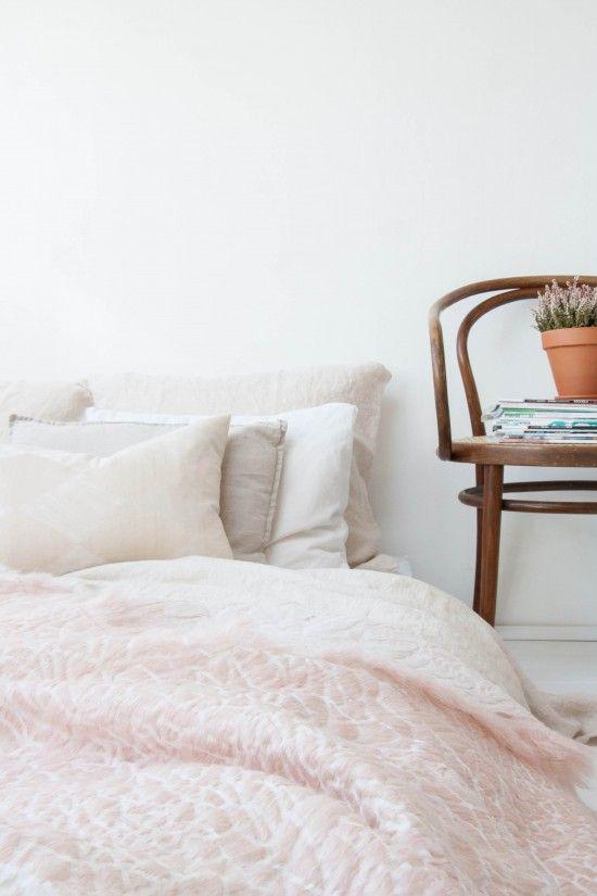 interior-trend-soft-pink-walls-1