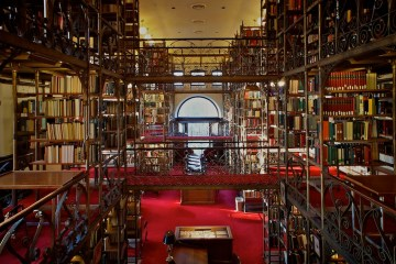 What Do Students Still Do in Libraries?
