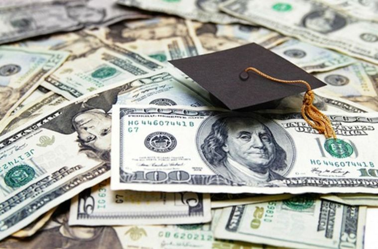 Meet the Apps Taking the Tedium Out of Scholarships Applications