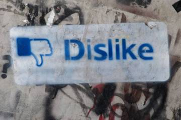 To Delete or Not to Delete: Your Racist Friends on FB