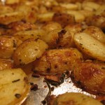 Rosemary Garlic Roasted Potatoes | stupideasypaleo.com