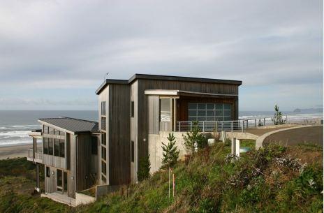 הבית יפה ולא רק בגלל הנוף.