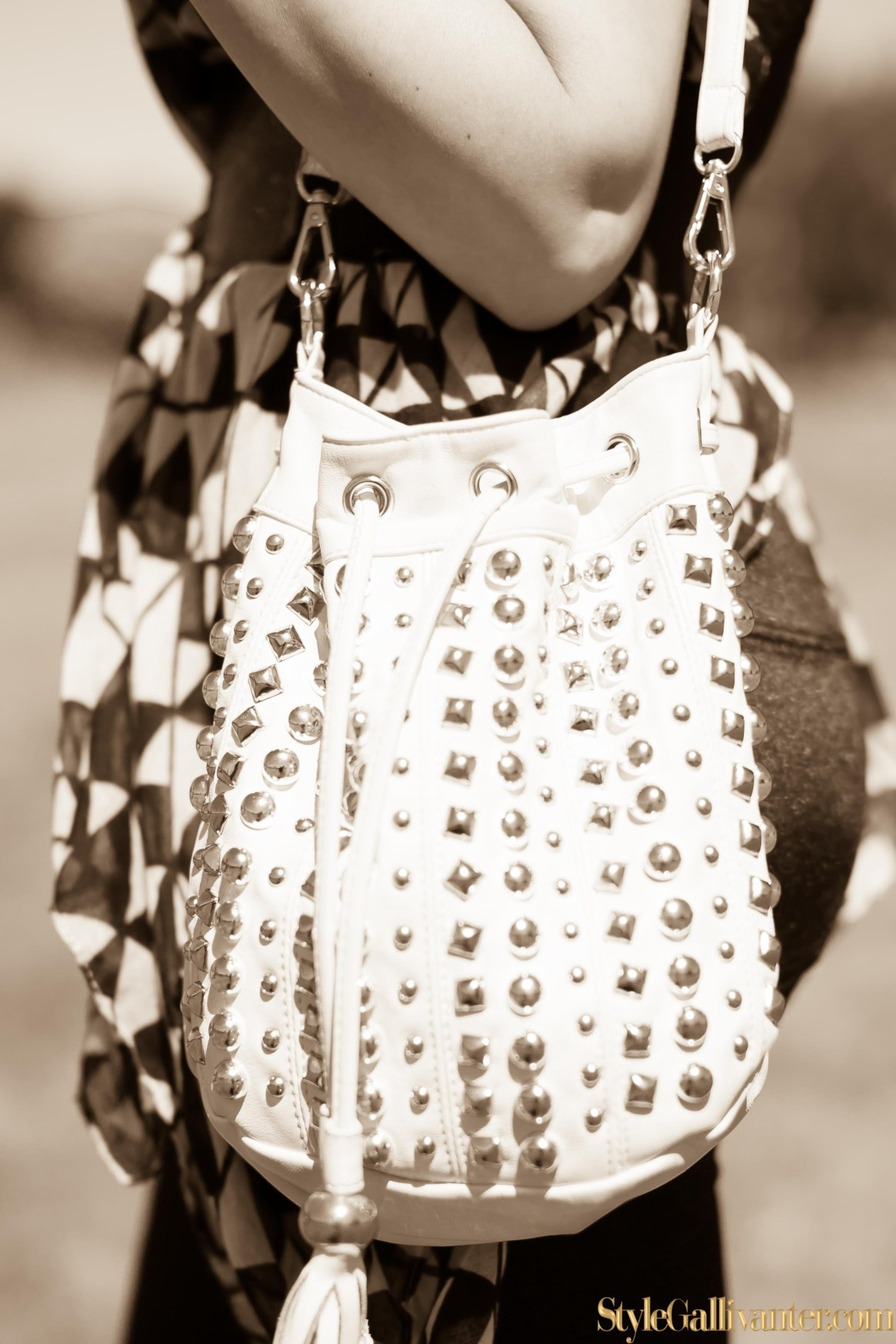 best-new-bloggers-2014_sepia-fashion-editorials_monochrome-sepia_how-to-wear-a-scarf_best-new-bloggers-melbourne-australia-2014_top-african-hair-bloggers_best-hair-bloggers-10