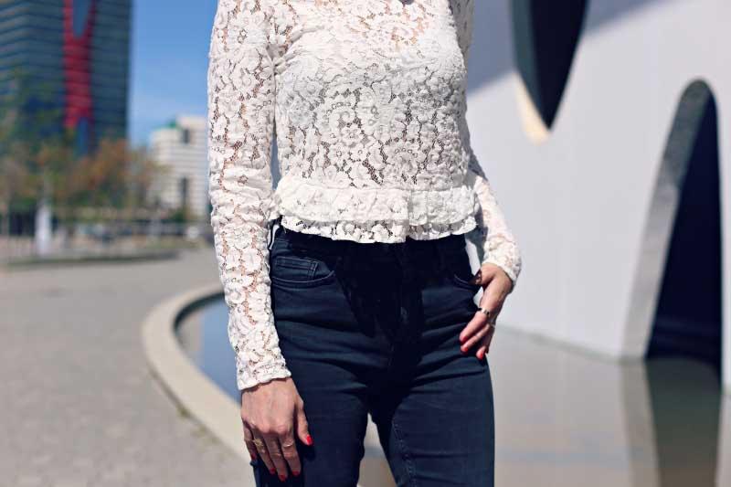 style-in-lima-camiseta-peplum-camiseta-encaje-manga-larga-blanca-zara