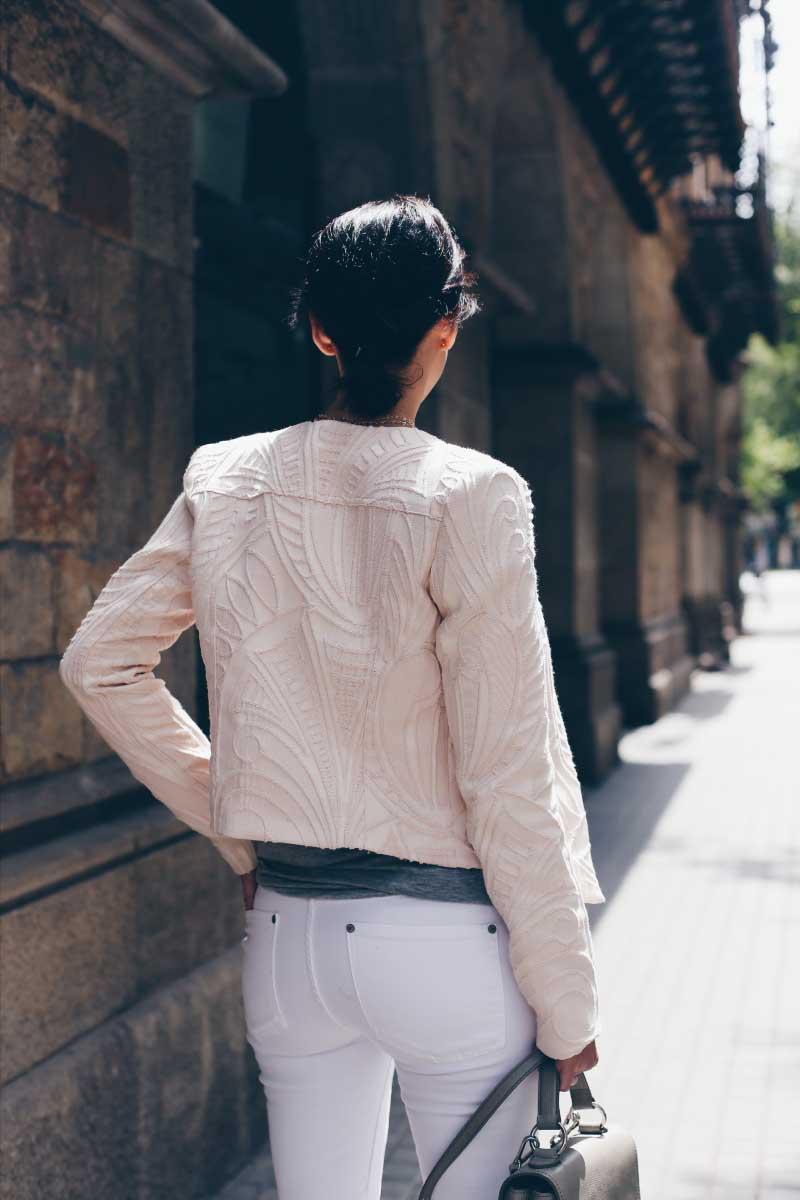 style_in_lima-chaqueta-bordada-system-action