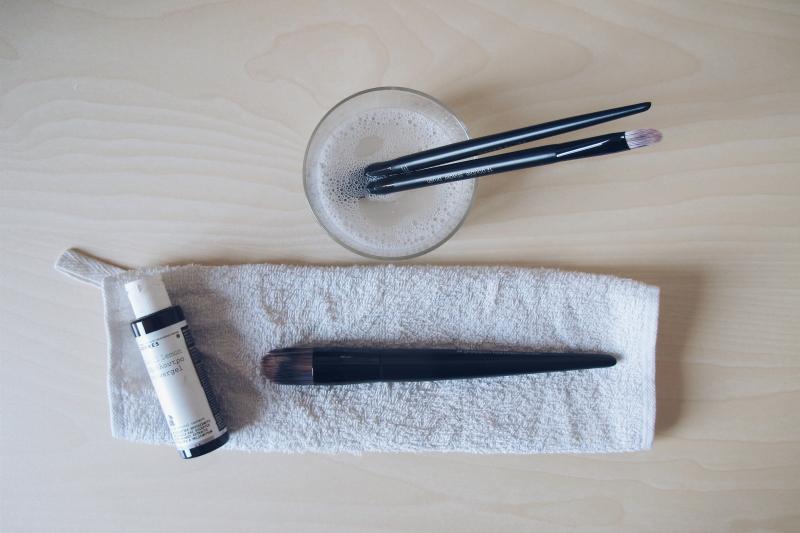 limpiar-brocha-maquillaje
