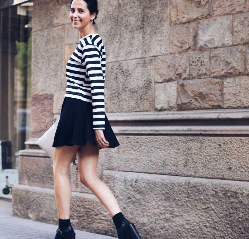 style-in-lima-falda-negra-hm-zapatos-plataforma-negros-mary-jane-medias-tobillo-camiseta-manga-larga-rayas-zara