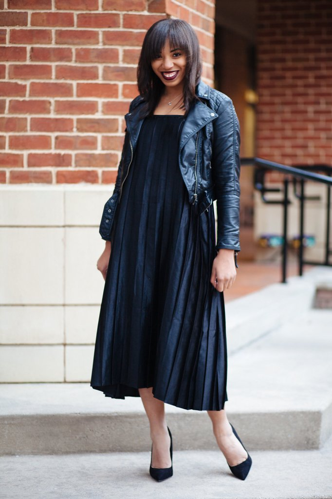 Kaylah-Burton_Style_Me_Twice_Nasty_Gal_Shape_Shifter_Pleated_Dress_ASOS_Premiere_Pointed_Heel