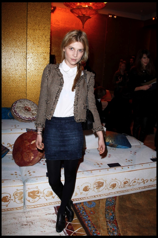 front-row-chanel-paris-byzance-clemence-poesy