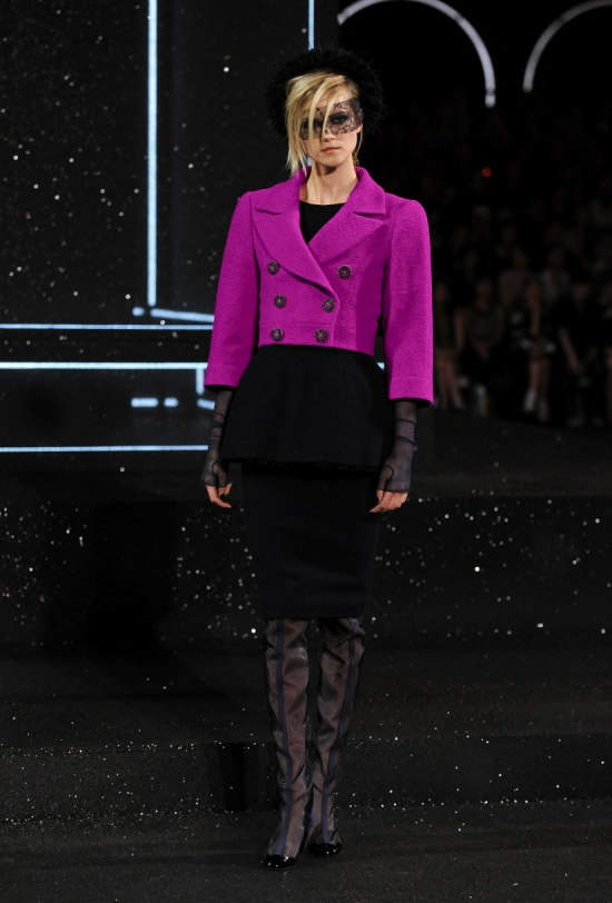 Chanel Haute Couture Fall Winter 2011 Collection 11