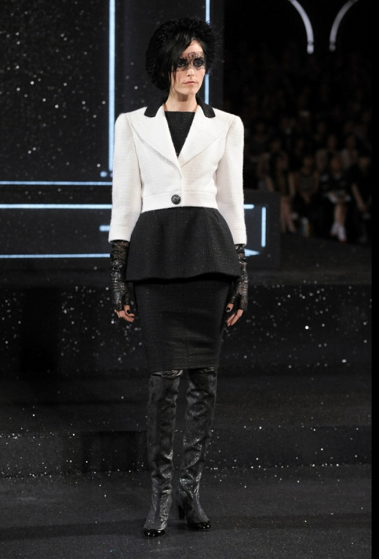 Chanel Haute Couture Fall Winter 2011 Collection 9