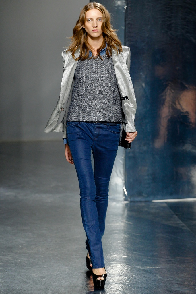 Theyskens' Theory Spring Summer 2012 Collection 20