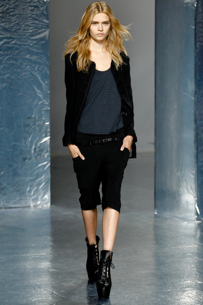Theyskens' Theory Spring Summer 2012 Collection 36