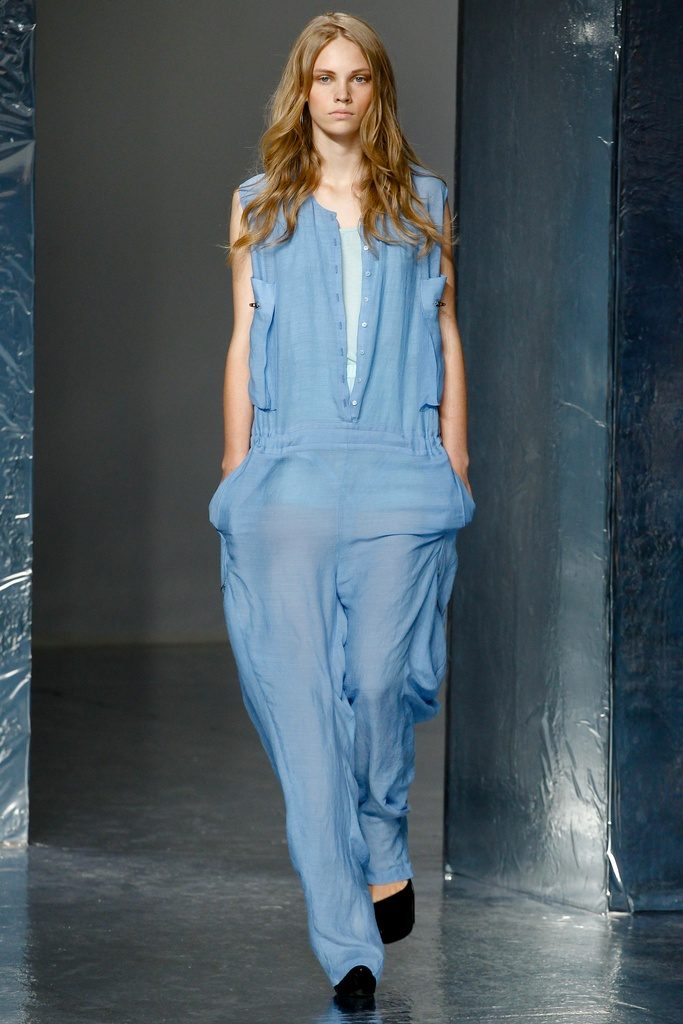 Theyskens' Theory Spring Summer 2012 Collection 38