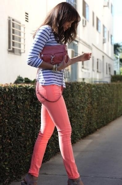 How-To-Wear-Colored-Jeans-Chic-Combination-Ideas-3