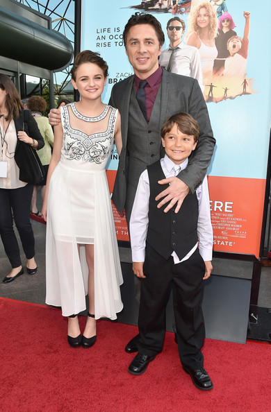 Joey King Wow Red Carpet At  Wish I Was Here  Premiere 4