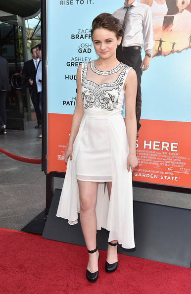 Joey King Wow Red Carpet At  Wish I Was Here  Premiere