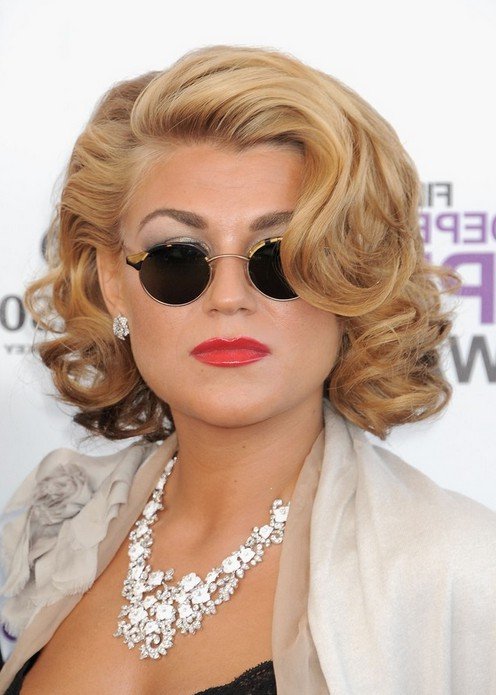 Melody Gardot Short Wavy Curly Bob Hairstyle for Round ...
