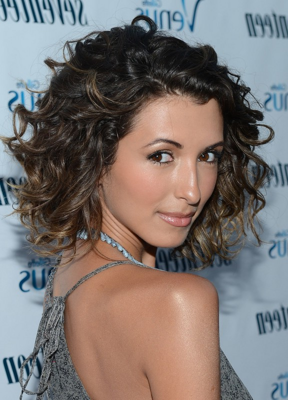 India De Beaufort Cute Medium Ombre Curly Hairstyle For