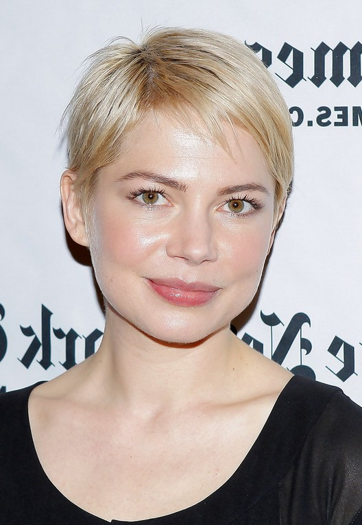 michelle williams short straight pixie cut for square