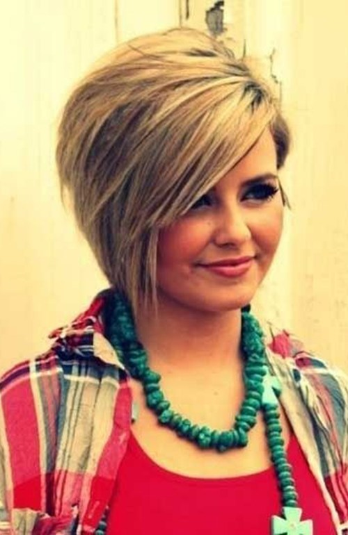 short asymmetrical bob haircut for round faces