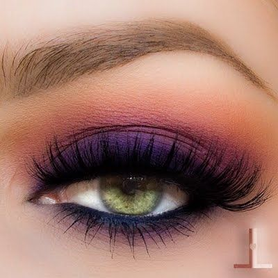 5 Tips on How to Pull Off Colorful Eyeshadow