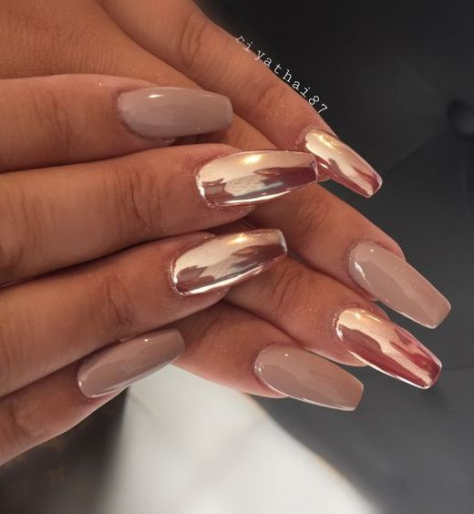 10 Stunning Chrome Nail Ideas