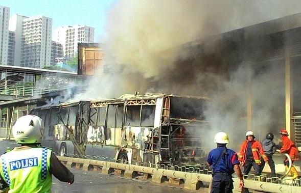 Transjakarta Terbakar, Publik Minta Ahok Berikan Kejelasan Informasi dan Jaminan Keamanan