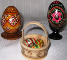 painted-wooden-eggs-from-ukraine