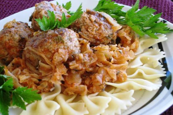 Eastern European Meatballs - serving