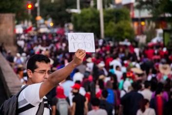 Marcha por desaparecidos de Ayotzinapa en Morelia - Alejandro Amado (18)