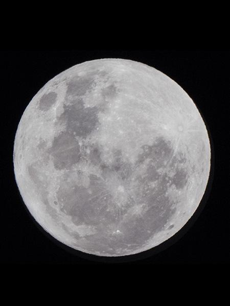 800mm moon capture