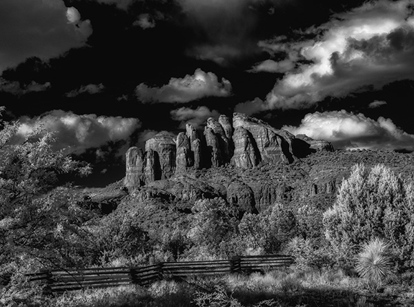 side view of cathedral rock sedona