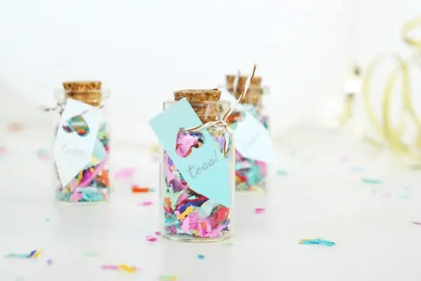 DIY mini confetti jar favors by sugar and cloth