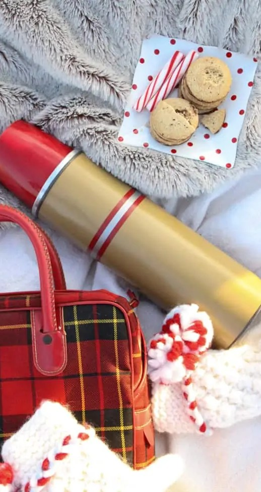 Winter Date Idea: Sunset hot chocolate for two - Sugar & Cloth - Holiday - Houston Blogger