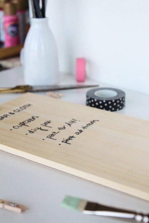 DIY natural wood chalkboard DIY