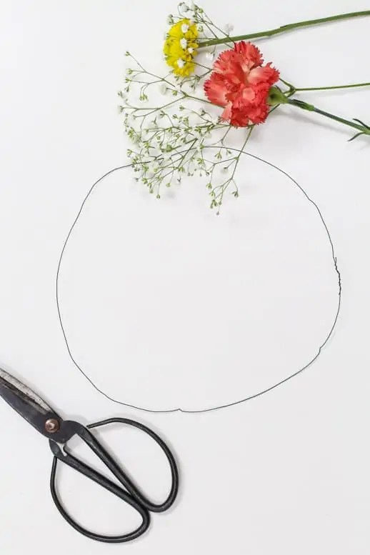 diy floral headpieces by Sugar & Cloth