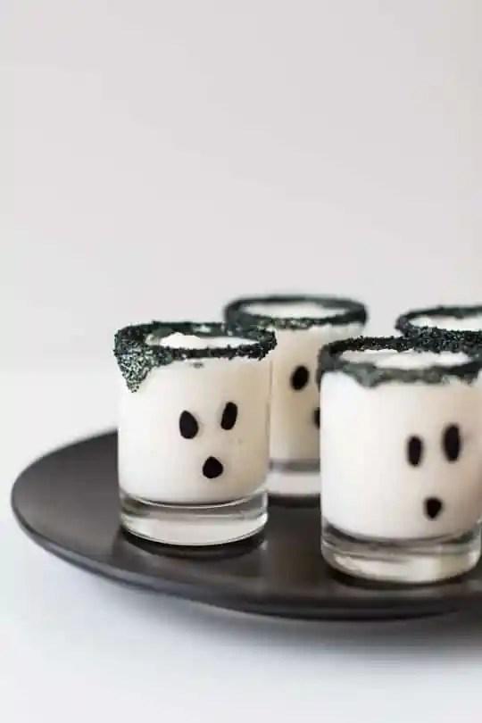 ghouls guts ice cream cake shot recipe | sugarandcloth.com