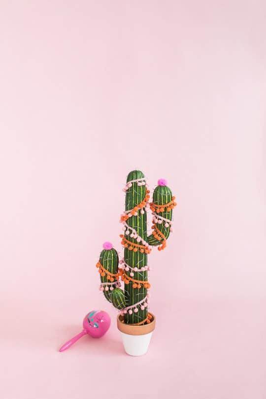 DIY Christmas tree cactus   sugarandcloth.com