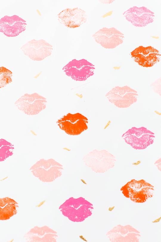 DIY lip patterned gift wrap | sugar and cloth